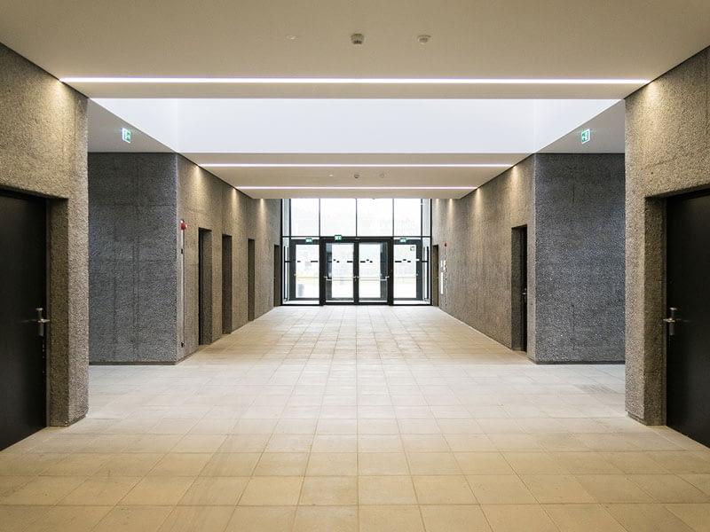 Deggendorf campus hallway